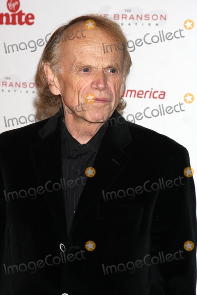 Al Jardine Photo - LOS ANGELES - NOV 11  Al Jardine arrives at the Rock the Kabash Gala 2010 at Dorothy Chandler Pavilion  on November 11 2010 in Los Angeles CA
