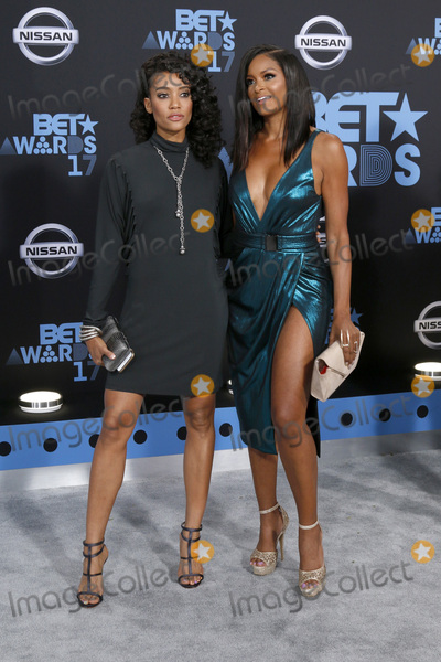 Annie  Ilonzeh Photo - LOS ANGELES - JUN 25  Annie Ilonzeh Claudia Jordan at the BET Awards 2017 at the Microsoft Theater on June 25 2017 in Los Angeles CA