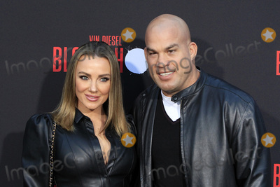 Amber Nicole Photo - LOS ANGELES - MAR 10  Amber Nicole Miller Tito Ortiz at the Bloodshot Premiere at the Village Theater on March 10 2020 in Westwood CABloodshot