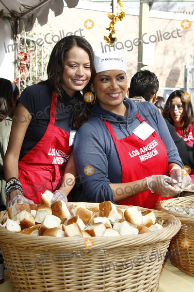 Michaela Pereira Photo - LOS ANGELES - NOV 23  Keisha Whitaker Michaela Pereira at the LA Mission Thanksgiving Meal Service at LA Mission on November 23 2011 in Los Angeles CA