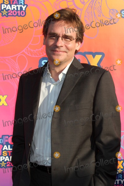 Robert Sean Leonard Photo - LOS ANGELES - AUGUST 2  Robert Sean Leonard arrive(s) at the 2010 FOX Summer Press Tour Party at Pacific Park on the Santa Monica Pier on August 2 2010 in Santa Monica CA