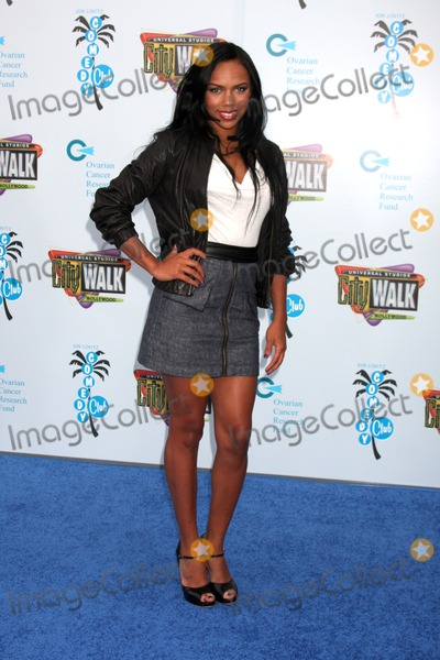 Kiely Williams Photo - Kiely Williams arriving at the Grand Opening of The Jon Lovitz Comedy Club at Universal City Walk in Los Angeles CA  on May 28 2009
