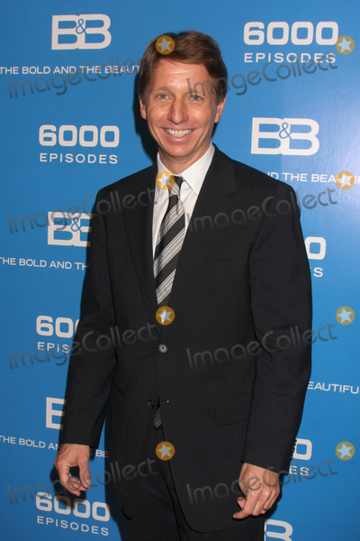 Bradley Bell Photo - LOS ANGELES - FEB 7  Bradley Bell at the 6000th Show Celebration at The Bold  The Beautiful at CBS Television City on February 7 2011 in Los Angeles CA
