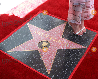 Kirsten Dunst Photo - LOS ANGELES - AUG 29  Kirsten Dunst Star at the Kirsten Dunst Star Ceremony on the Hollywood Walk of Fame on August 29 2019 in Los Angeles CA