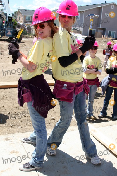 Arianne Zucker Photo - Molly Burnett Arianne Zuckerat the Habitat For Humanity San FernandoSanta Clarita  Valleys Women Empowerment Building Site - TV  Soap StarsHabitat for Humanity build site 12600 Carl StPacoima CAMay 23 2010