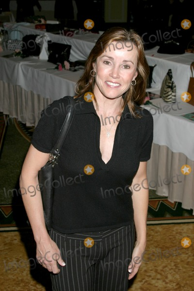 Alex Donnelly Photo - Alex DonnellyLupus Bag Luncheon Beverly Hills CAOctober 26 2006