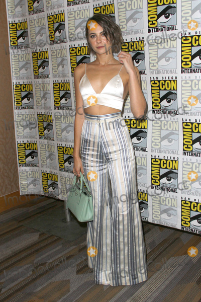 Willa Holland Photo - SAN DIEGO - July 22  Willa Holland at Comic-Con Saturday 2017 at the Comic-Con International Convention on July 22 2017 in San Diego CA