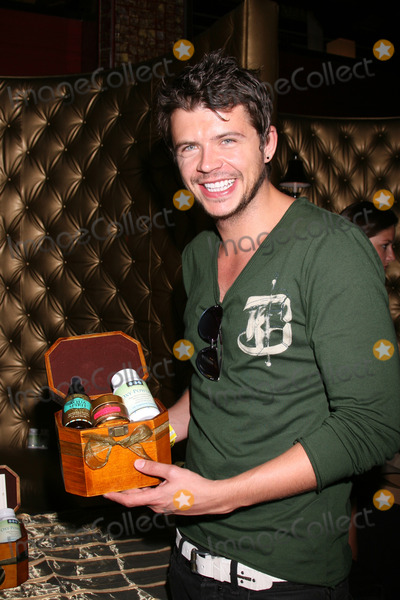 Andy Newton-Lee Photo - Andy Newton LeeGBK MTV Movie Awards Gifting Suites Crimson  OperaLos Angeles  CAMay 30 2008