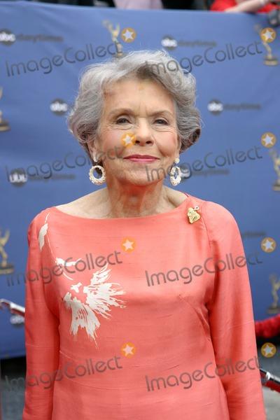 Helen Wagner Photo - Helen Wagner33rd Daytime Emmy AwardsKodak TheaterHollywood  HighlandLos Angeles CAApril 28 2006