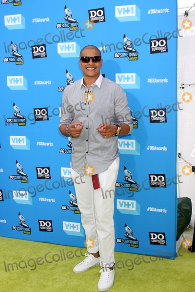 Lil J Photo - LOS ANGELES - JUL 31  Lil J arrives at the 2013 Do Something Awards at the Avalon on July 31 2013 in Los Angeles CA