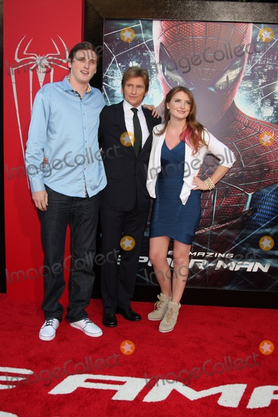 Denis Leary Photo - LOS ANGELES - JUN 28  Denis Leary and children arrives at the The Amazing Spider-Man Premiere at Village Theater on June 28 2012 in Westwood CA