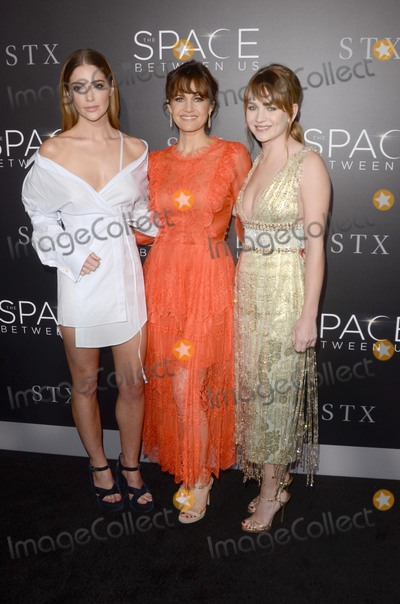 Carla Gugino Photo - LOS ANGELES - JAN 17  Janet Montgomery Carla Gugino Britt Robertson at the The Space Between Us Los Angeles Special Screening at ArcLight Theater on January 17 2017 in Los Angeles CA