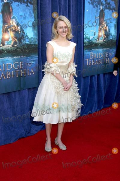 Annasophia Robb Photo - Annasophia RobbBridge to Terabithia  Movie World PremiereEl Capitan TheaterHollywood CAFebruary 3 2007