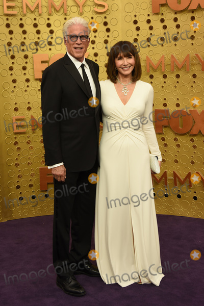 Mary Steenburgen Photo - LOS ANGELES - SEP 22  Ted Danson Mary Steenburgen at the Primetime Emmy Awards - Arrivals at the Microsoft Theater on September 22 2019 in Los Angeles CA