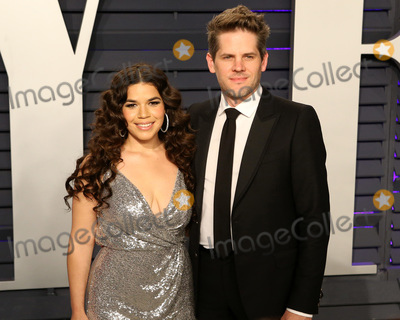 America Ferrera Photo - LOS ANGELES - FEB 24  America Ferrera Ryan Piers Williams at the 2019 Vanity Fair Oscar Party on the Wallis Annenberg Center for the Performing Arts on February 24 2019 in Beverly Hills CA