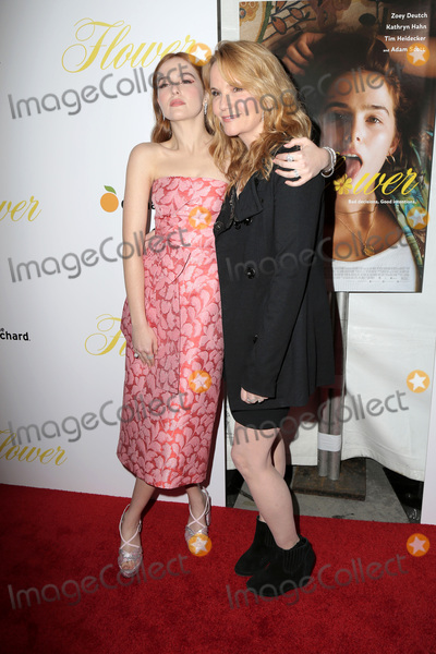 Lea Thompson Photo - LOS ANGELES - MAR 13  Zoey Deutch Lea Thompson at the Flower Premiere at ArcLight Theater on March 13 2018 in Los Angeles CA