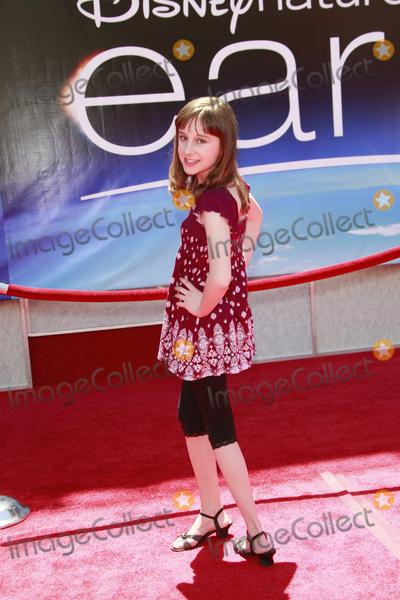 Allisyn Arm Photo - Allisyn Ashley Arm arriving Earth World Premiereat the El Capitan TheatreApril 18 2009 - Hollywood California