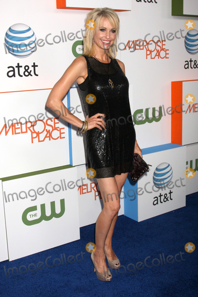 Josie Bissett Photo - Josie Bissett arriving at  Melrose Place Premiere Party on Melrose Place in  Los Angeles CA on August 22 2009