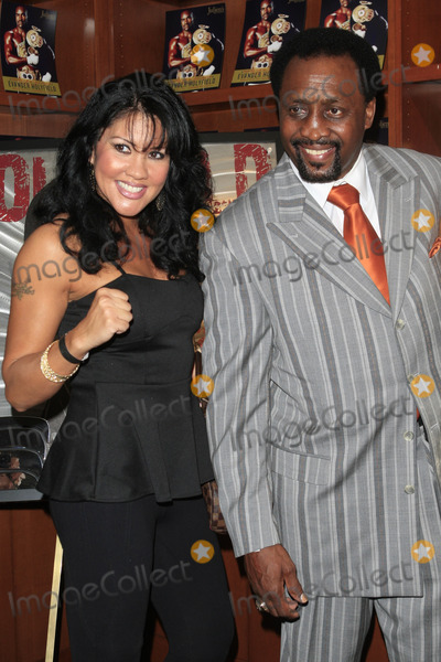 Tommy Hearns Photo - LOS ANGELES - OCT 19  Mia St John Tommy Hearns attends  the 50th Birthday Party for Evander Holyfield  at Julians Auctions on October 19 2012 in Beverly Hills CA