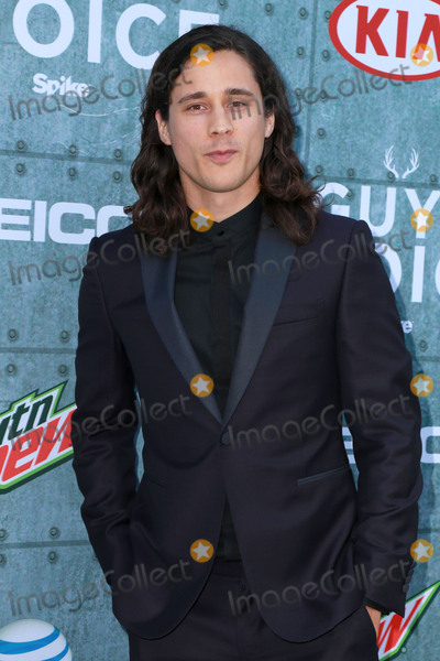 Peter Gadiot Photo - LOS ANGELES - JUN 6  Peter Gadiot at the Guys Choice Awards 2015 at the Culver City on June 6 2015 in Sony Studios CA
