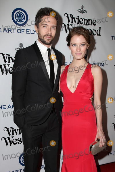 Ashley Hinshaw Photo - vLOS ANGELES - JAN 9  Topher Grace Ashley Hinshaw at the The Art of Elysium Ninth Annual Heaven Gala at the 3LABS on January 9 2016 in Culver City CA