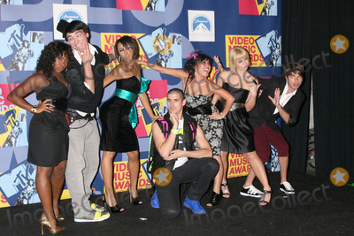 Fanny Pack Photo - Fanny Pack Dancers  in the Press Room at  the Video Music Awards on MTV at Paramount Studios in Los Angeles CA onSeptember 7 2008
