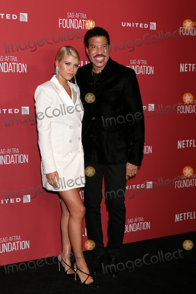 Wallis Annenberg Photo - LOS ANGELES - NOV 9   Sofia RIchie Lionel Richie at the SAG-AFTRA Foundations Patron of the Artists Awards 2017 at Wallis Annenberg Center for the Performing Arts on November 9 2017 in Beverly Hills CA