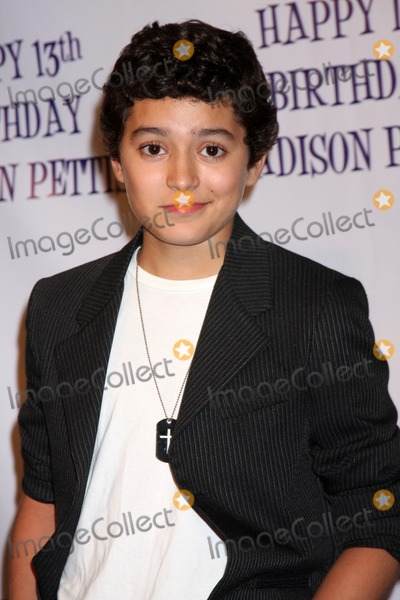 Eric Unger Photo - LOS ANGELES - JUL 31  Eric Unger arriving at the13th Birthday Party for Madison Pettis at Eden on July 31 2011 in Los Angeles CA