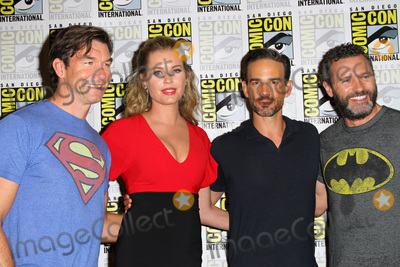 Christopher Gorham Photo - SAN DIEGO - July 20  Jerry OConnell Rebecca Romijn Christopher Gorham Jason OMara at the The Death of Superman Press Line at the Comic-Con International on July 20 2018 in San Diego CA
