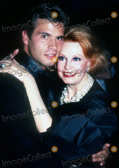 Arlene Dahl Photo - Lorenzo Lamas Arlene Dahl1277JPGCelebrity Archaeology 1982 FILE PHOTONew York NYLorenzo Lamas mother Arlene DahlPhoto by Adam Scull-PHOTOlinknet