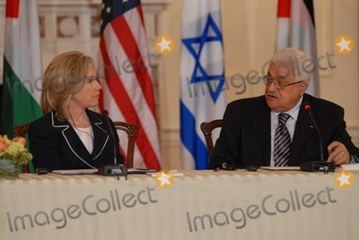 ABBA Photo - Washington DC 9022010RESTRICTED NEW YORKNEW JERSEY OUTNO NEW YORK OR NEW JERSEY NEWSPAPERS WITHIN A 75  MILE RADIUSSecretary Clinton hosts Abbas and Netanyahu peace talksSecretary of State Hillary Clinton hosts the re-launch of direct negotiations between Israeli Prime Minister Benjamin Netanyahu and (right) Palestinian Authority President Mahmoud Abbas at the US State Department Secretary Clinton and the two leaders marked the start of the negotiations by making opening remarks to the mediaDigital photo by Elisa Miller-PHOTOlinknet