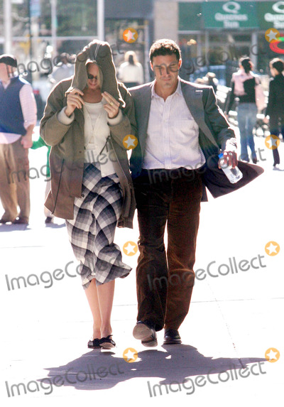 Andre Balasz Photo - Photo by Mitch Gerberstarmaxinccom2004103104Uma Thurman and boyfriend Andre Balasz go for a walk on Halloween Day(NYC)
