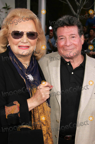 Gena Rowlands Photo - Photo by REWestcomstarmaxinccom20058205Gena Rowlands and Robert Forrest at the premiere of The Skeleton Key(Los Angeles CA)