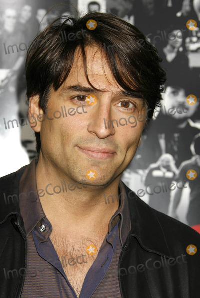 Vincent Spano Photo - Photo by REWestcomstarmaxinccom20074507Vincent Spano at the season 3 premiere of Entourage(Los Angeles CA)