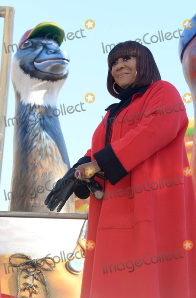Patti La Belle Photo - Photo by Dennis Van TinestarmaxinccomSTAR MAX2017ALL RIGHTS RESERVEDTelephoneFax (212) 995-1196112317Patti LaBelle at The 91st Annual Macys Thanksgiving Day Parade in New York City