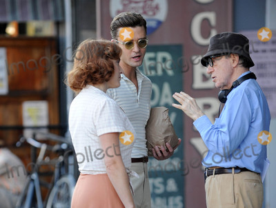 Woody Allen Photo - Photo by GWRstarmaxinccomSTAR MAX2015ALL RIGHTS RESERVEDTelephoneFax (212) 995-1196101816Kate Winslet Justin Timberlake and Woody Allen on a movie set in New York City