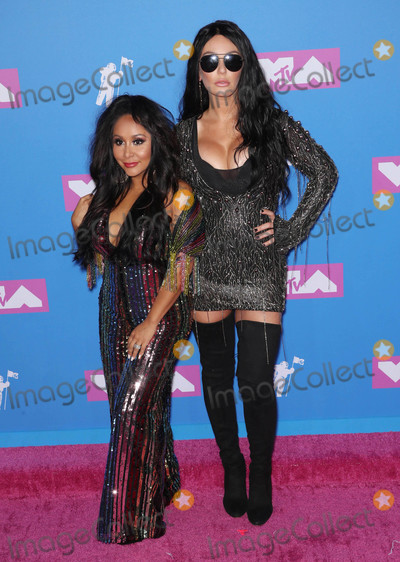 Snooki Photo - Photo by Rothschild MediastarmaxinccomSTAR MAX2018ALL RIGHTS RESERVEDTelephoneFax (212) 995-119682018Nicole Polizzi (Snooki) and Jenni Farley (JWOWW) at the 2018 MTV Video Music Awards at Radio City Music Hall in New York City