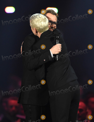 Anne Lennox Photo - Photo by KGC-03starmaxinccomSTAR MAX2016ALL RIGHTS RESERVEDTelephoneFax (212) 995-119622416Anne Lennox and Gary Oldman at the 2016 Brit Awards at the O2 Arena London England