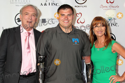 James Keach Photo - Photo by REWestcomstarmaxinccomSTAR MAX2014ALL RIGHTS RESERVEDTelephoneFax (212) 995-119651014James Keach Jane Seymour and Travis Mills at The Open Hearts Foundation 4th Annual Gala(Malibu CA)