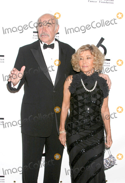 Sean Connery Photo - Photo by Mitch Gerberstarmaxinccom2004111504Sean Connery and wife at the American-Italian Cancer Foundation Benefit(NYC)