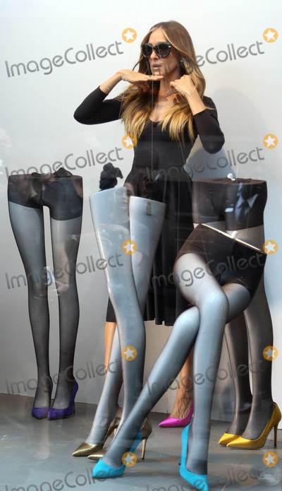 THE WINDOW Photo - Photo by KGC-146starmaxinccomSTAR MAX2015ALL RIGHTS RESERVEDTelephoneFax (212) 995-119651115Sarah Jessica Parker is seen in the window at Bloomingdales New York City during a photo shoot for her line of shoes(NYC)