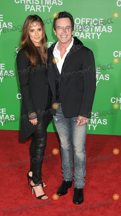 Ann Russell Photo - Photo by KGC-136starmaxinccomSTAR MAX2016ALL RIGHTS RESERVEDTelephoneFax (212) 995-119612716Jeff Probst and Lisa Ann Russell  at the premiere of Office Christmas Party in Westwood CA