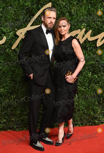 Alasdhair Willis Photo - Photo by KGC-03starmaxinccomSTAR MAXCopyright 2015ALL RIGHTS RESERVEDTelephoneFax (212) 995-1196112315Alasdhair Willis and Stella McCartney at the 2015 British Fashion Awards(London England UK)