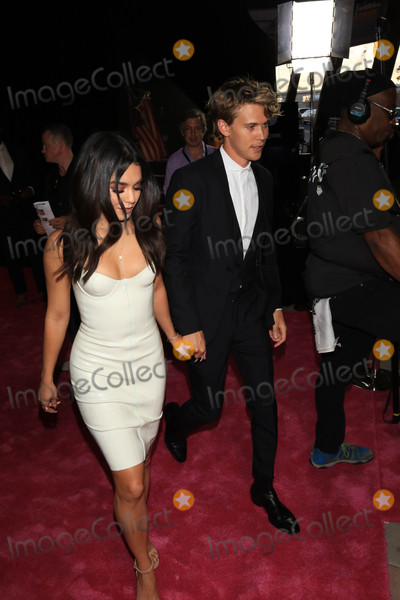 Austin Butler Photo - Photo by gotpapstarmaxinccomSTAR MAX2017ALL RIGHTS RESERVEDTelephoneFax (212) 995-119682617Vanessa Hudgens and Austin Butler at The Mayweather Vs McGregor Fight held at The T-Mobiel Arena in Las Vegas Nevada