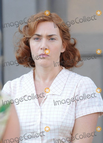 Kate Winslet Photo - Photo by GWRstarmaxinccomSTAR MAX2015ALL RIGHTS RESERVEDTelephoneFax (212) 995-1196101816Kate Winslet on a movie set in New York City
