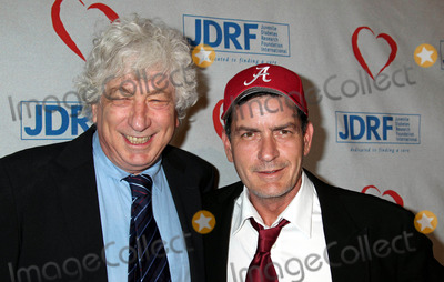 Avi Lerner Photo - Photo by REWestcomstarmaxinccom20115511Charlie Sheen and Avi Lerner at the Juvenile Diabetes Research Foundations 8th Annual Gala Finding A Cure A Love Story(Beverly Hills CA)