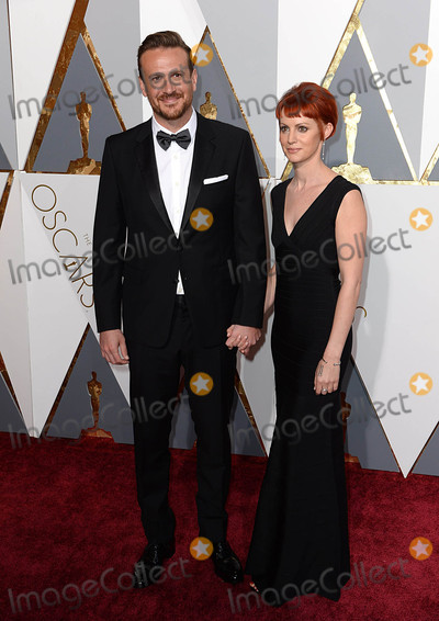 Alexis Mixter Photo - Photo by PDstarmaxinccomSTAR MAX2016ALL RIGHTS RESERVEDTelephoneFax (212) 995-119622816Jason Segel and Alexis Mixter at the 88th Annual Academy Awards (Oscars) in Hollywood CA(Los Angeles USA)