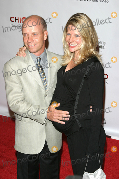 Scott Hamilton Photo - Photo by Tim GoodwinSTAR MAX Inc - copyright 200381903Scott Hamilton and wife at the Runway For Life Benefit(CA)