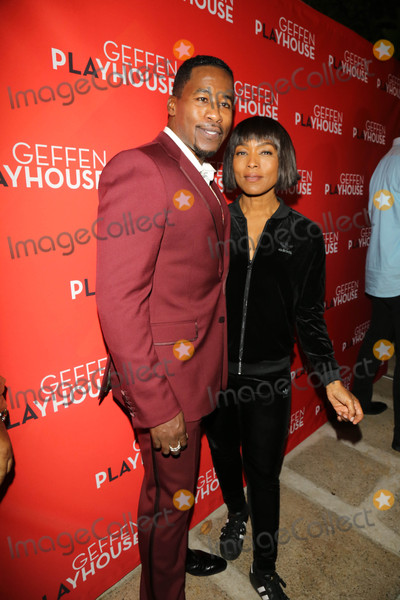 Angela Bassett Photo - Photo by gotpapstarmaxinccomSTAR MAX2017ALL RIGHTS RESERVEDTelephoneFax (212) 995-1196101917Angela Bassett at Emergency Opening Night at Geffen Playhouse in Westwood CA