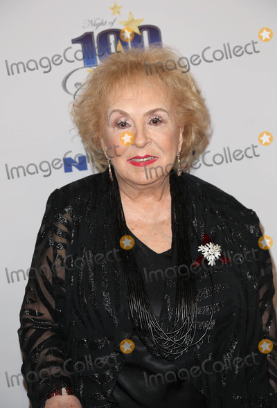 Doris Roberts Photo - Photo by JMAstarmaxinccomSTAR MAXCopyright 2016ALL RIGHTS RESERVEDTelephoneFax (212) 995-119622816Doris Roberts attends Norby Walters 26th Annual Night Of 100 Stars Oscar Viewing Party at the Beverly Hilton Hotel(Beverly Hills CA)